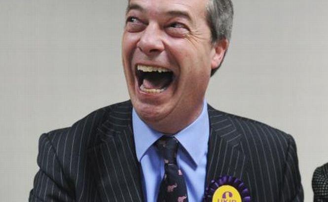 """""""Trebuie să vedeţi ce sărăcie e în România!"""" Ne plânge de milă, dar nu ne vrea în ţara lui. Declaraţii acide ale unui europarlamentar britanic"""