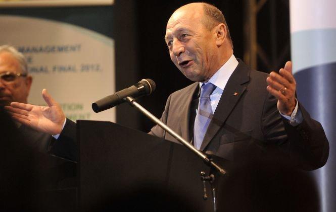 Băsescu: România nu mai este constrânsă de programele cu instituţiile internaţionale, dar are nevoie de FMI şi UE