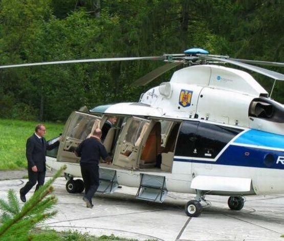 Traian Băsescu, cu elicopterul pe litoral, unde va petrece ziua de 1 Mai