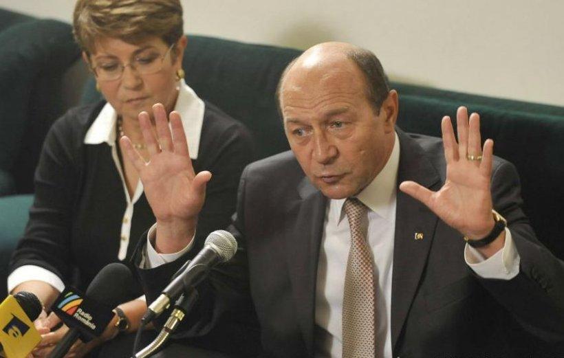 Băsescu: Controlul presei trebuie să vină din interiorul breslei, nu din afară