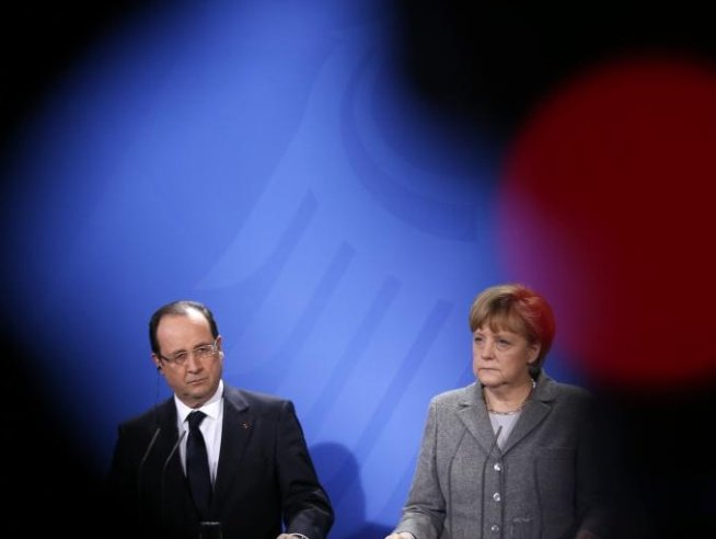 Germania condamnă Franţa: Politica de eşec a lui Francois Hollande a adus ţara în starea actuală