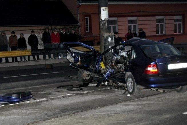 Imprudenţa ucide. O femeie de 60 de ani a murit după ce a traversat neregulamentar şi a fost lovită de o maşină