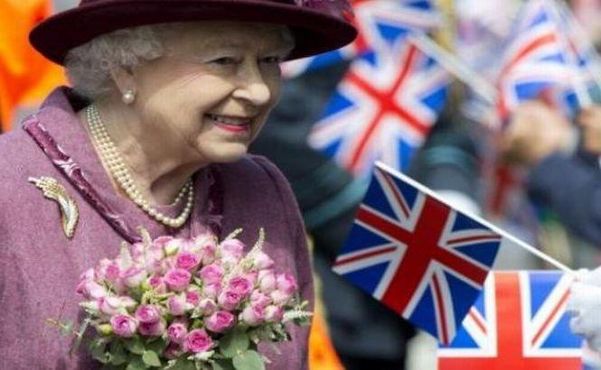 Premieră în monarhia britanica a ultimilor 40 de ani. Regina Elisabeta a II-a renunţă la una dintre responsabilităţi