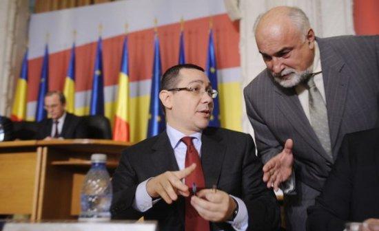 """Ponta glumeşte pe seama schimbării unor miniştri: """"Cine nu e pe scaun îl remaniez"""""""
