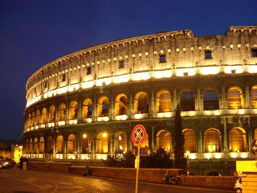 Un artist de stradă a fost arestat la Roma pentru că semăna prea tare cu fostul papă Ioan Paul al II-lea