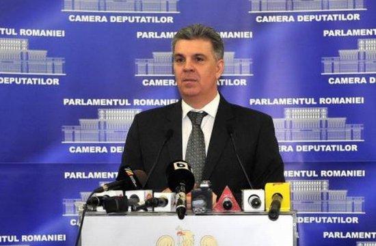 """România are o """"pierdere necontralată de 13 milioane lei"""", în cazul deputaţilor care stau la hotel"""