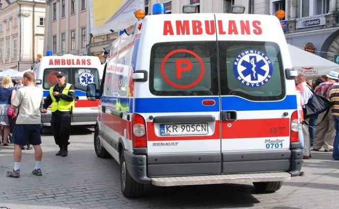 Ambulanţa din Polonia chiar are PRIORITATE. Vezi reacţia celorlalţi şoferi din trafic!