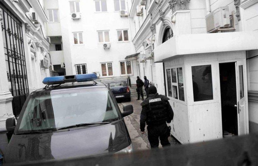 Doisprezece membri ai grupărilor Caran, Duduianu şi Vancică, reţinuţi de procurorii bucureşteni