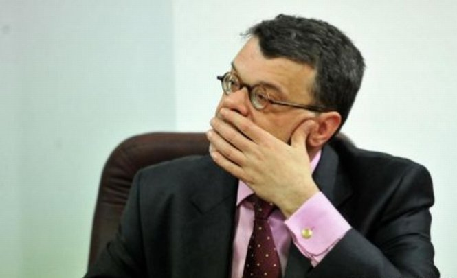 Ministrul Culturii a cerut majorarea salariilor. Un angajat câştigă 1.200 lei. Ce a răspuns Ponta