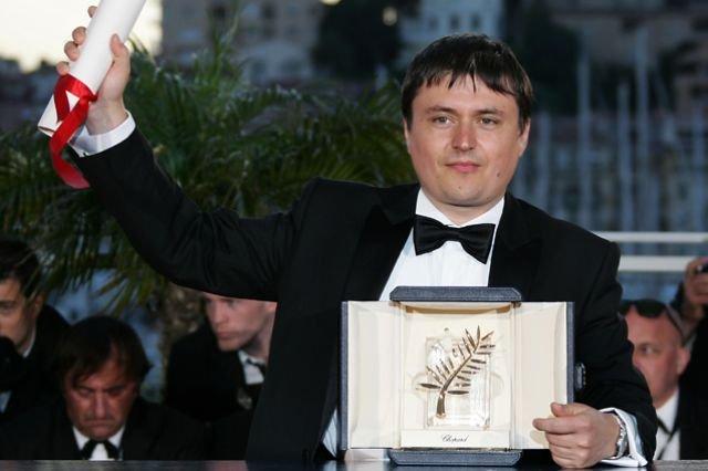 Francezii şi-au BĂTUT JOC de Cristian Mungiu. L-au parodiat cerşind bani de la Steven Spielberg
