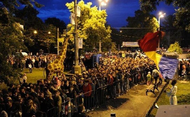Bucureşteni iubitori de cultură. Mii de oameni au invadat centrul Capitalei, în Noaptea Muzeelor
