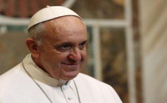 Papa Francisc recunoaşte că aţipeşte, uneori, în timpul rugăciunii de seară