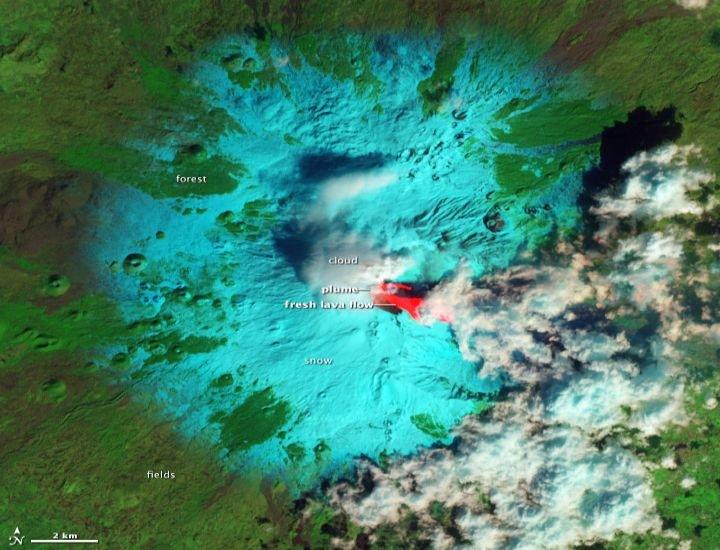 Cutremure de intensitate mică în jurul Vulcanului Etna, indicând o posibilă erupţie