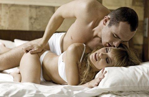 4 trucuri sexuale care ii innebunesc pe barbati