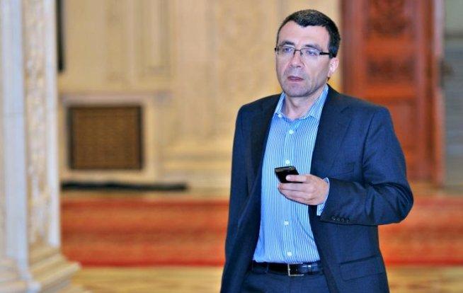 Mihai Voicu: Traian Băsescu încalcă din nou prevederile constituţionale şi îşi formează o construcţie politică proprie