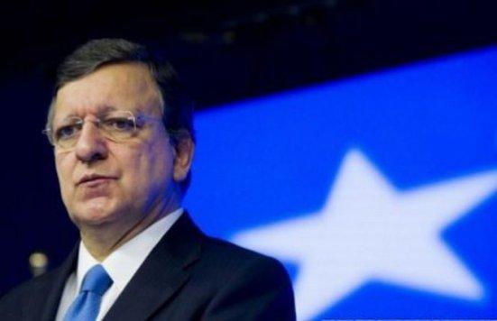 Şmecherii din advertising încearcă să-l lucreze pe Barroso cu ajutorul Parlamentului României