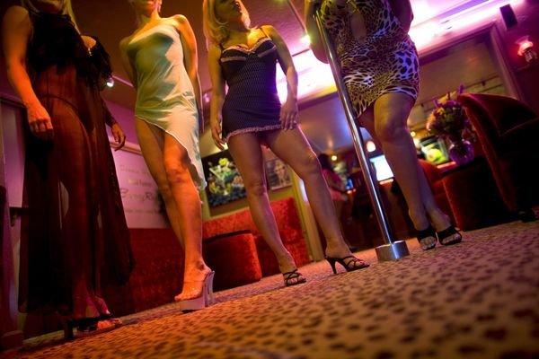Cetăţean turc, condamnat în Elveţia după ce a constrâns mai multe românce să se prostitueze