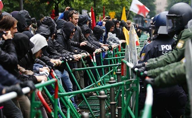 Mii de protestari au blocat accesul în incinta Băncii Centrale Europene