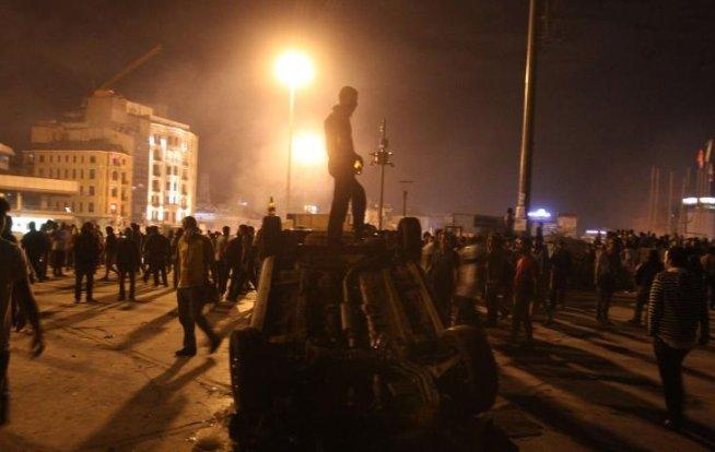 Poliţia turcă a arestat aproape 1.000 de persoane în timpul protestelor de vineri şi sâmbătă