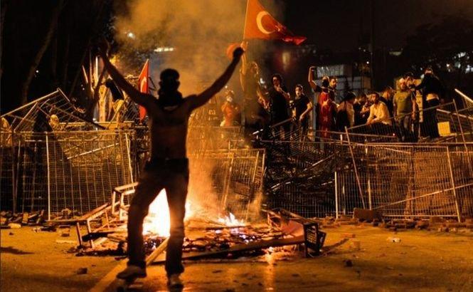 Ce IRONIE! Siria îşi sfătuieşte cetăţenii să nu călătorească în Turcia