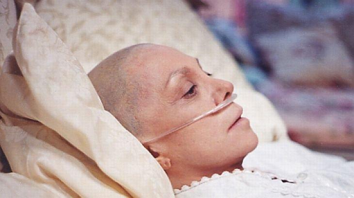 """Declaraţie ŞOCANTĂ a unui medic român: """"Chimioterapia EXTINDE tumorile, iar efectele sunt catastrofale!"""""""