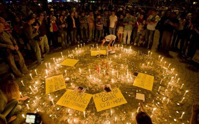 Manifestanţii din parcul Gezi anunţă continuarea protestelor: Nu este decât începutul!