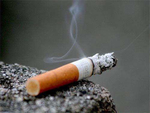 Federaţia Asociaţiilor Bolnavilor de Cancer din România cere Guvernului măsuri pentru descurajarea fumatului