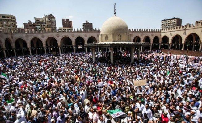 """Siria acuză Egiptul de """"iresponsabilitate"""" după ce Cairo a întrerupt """"definitiv"""" relaţiile cu Damascul"""