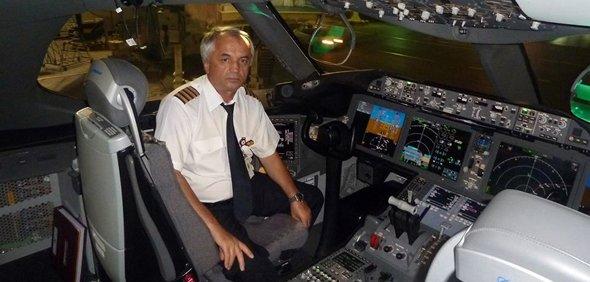 Dumitru Oprişiu, singurul căpitan român pe Boeing 787 Dreamliner