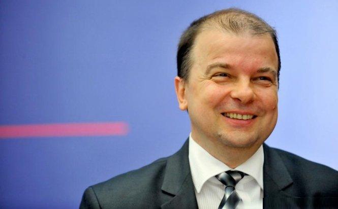Diplomatul Lilian Zamfiroiu, propunerea USL pentru şefia Institutului Cultural Român