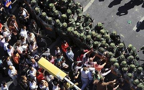 Cel puţin 27 de morţi în urma unor revolte în regiunea chineză Xinjiang