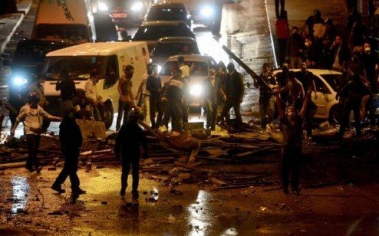 Protestele turcilor, departe de final. Gaze lacrimogene şi tunuri cu apă, folosite pentru a dispersa peste 2.000 de manifestanţi, la Ankara