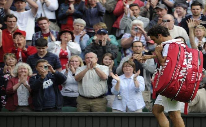 """""""Miercurea neagră"""" de la Wimbledon: Federer şi Sharapova, eliminaţi într-o zi cu şapte abandonuri"""