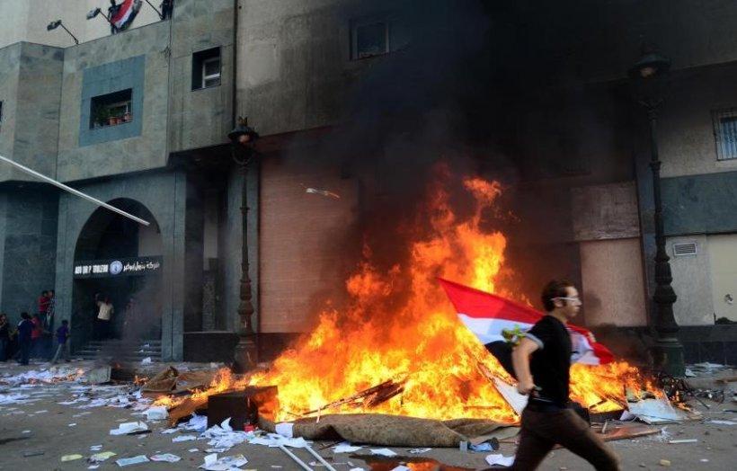 Un cetăţean american, posibil fotograf-jurnalist, a fost ucis în confruntările din Egipt