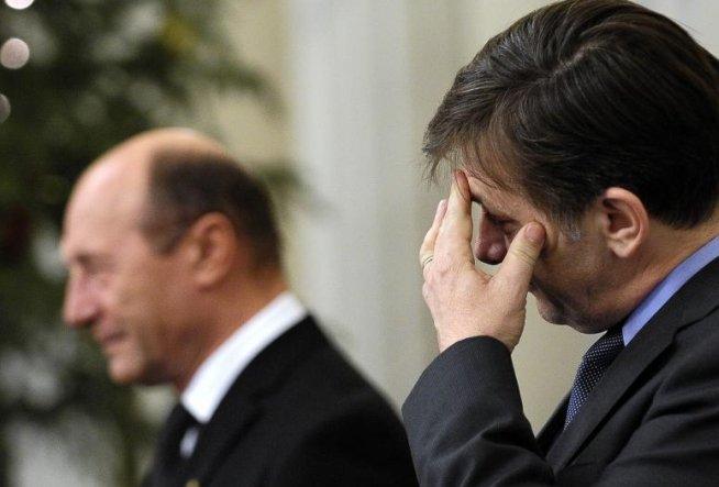 Băsescu: L-am rugat pe Antonescu să mă înlocuiască nu pentru că mă duc la vreo nuntă, ci pentru că am treabă luni