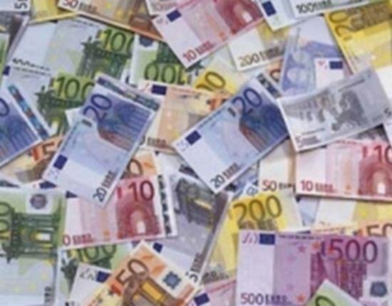 Numărul persoanelor care au restanţe la bănci şi IFN-uri a ajuns la 735.000 în luna mai