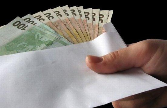 Corupţia continuă să facă ravagii în societăţi din întreaga lume. România, pe locul trei în Uniunea Europeană