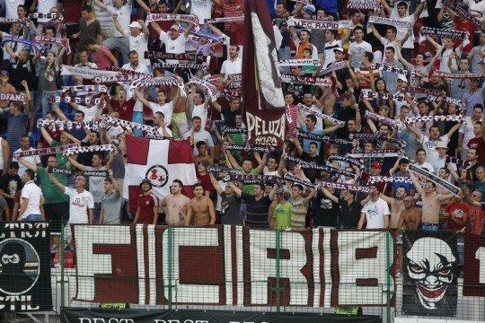 Fanii rapidului protestează la Casa Fotbalului