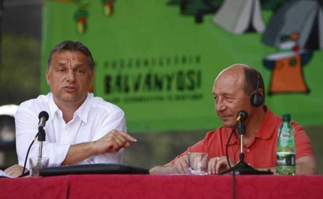 Vara trecută: Băse + Viktor Orban = LOVE. Acum: Orban a căzut în dizgraţia preşedintelui nostru