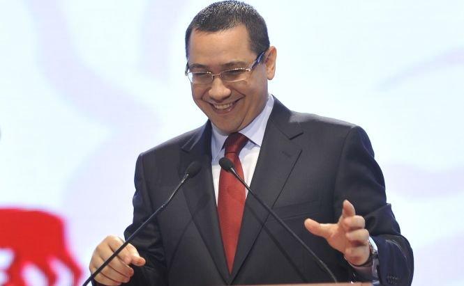 """Ponta, primit la Mănăstirea Putna cu: """"Bine ai venit, Măria Ta!"""". Vezi reacţia premierului"""