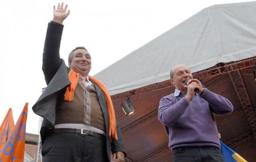 """Florin Cioabă, un """"rege"""" prieten cu preşedintele Băsescu şi cu trimiterea romilor la şcoală"""