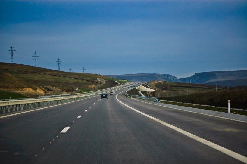A rămas fără carnet, după ce a fost prins cu peste 200km/h pe Autostrada Transilvania