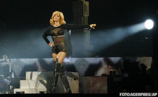 Pasiune pentru nepământeni. Rihanna primeşte mesaje de la extratereştri