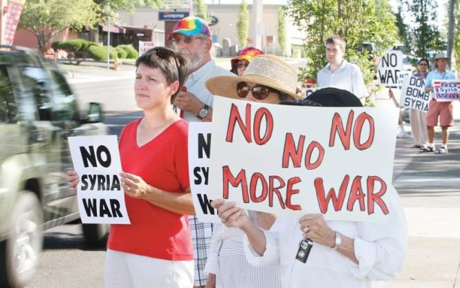 Americanii nu mai vor RĂZBOI. Cetăţenii SUA se opun atacurilor în Siria