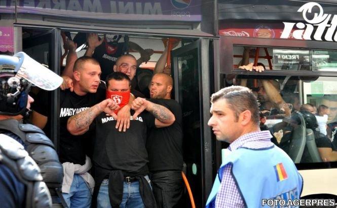Angajaţii teraselor din Centrul Istoric: Nu am văzut suporteri atât de violenţi precum cei unguri