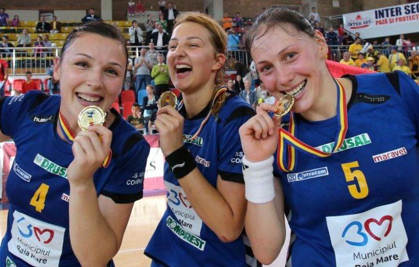 Primul trofeu al sezonului: HCM Baia Mare câştigă Supercupa României