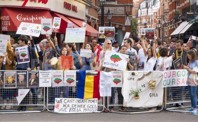 Protestele pentru salvarea Roşiei Montane s-au extins şi în alte ţări europene