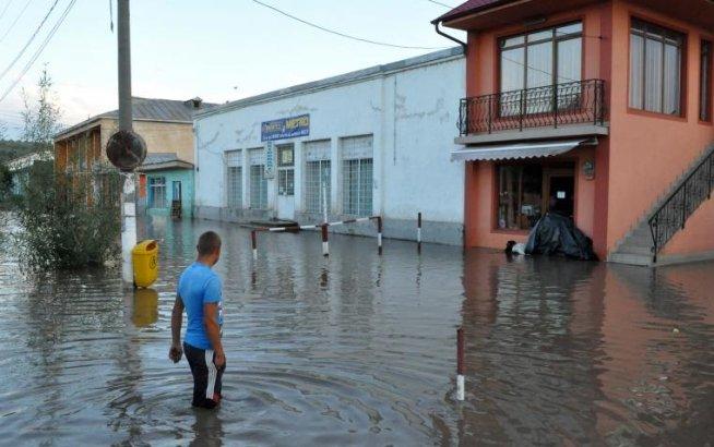 Codul PORTOCALIU de inundaţii din Galaţi, PRELUNGIT până duminică