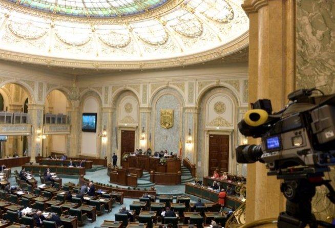 Un senator vrea să coboare în mina de la Roşia Montană şi să se alăture minerilor grevişti