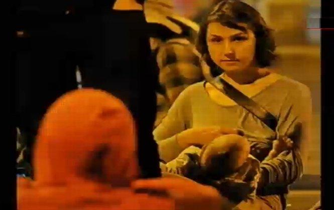 Mame care alăptează, la protestele faţă de Roşia Montană. Vezi foto